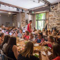 repas grande salle ; séjour ados; séjour enfant; ferme pédagogique ; colonie de vacances ;